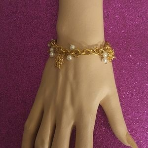 LADIES GOLD CHRISTMAS CHARM BRACLET